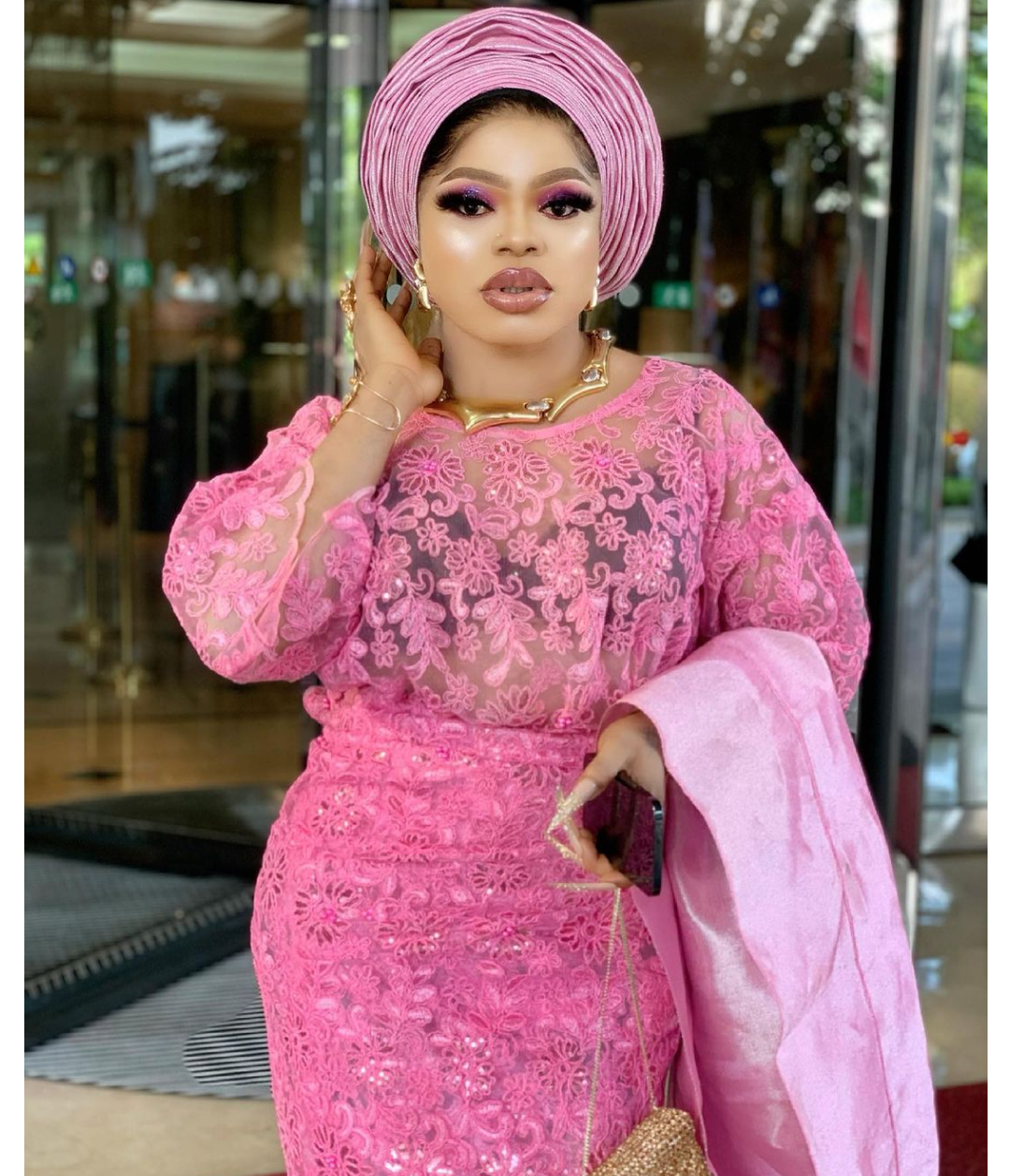 """""""I want my life back"""" My hips Na die. Too cute and petite""""– Bobrisky"""